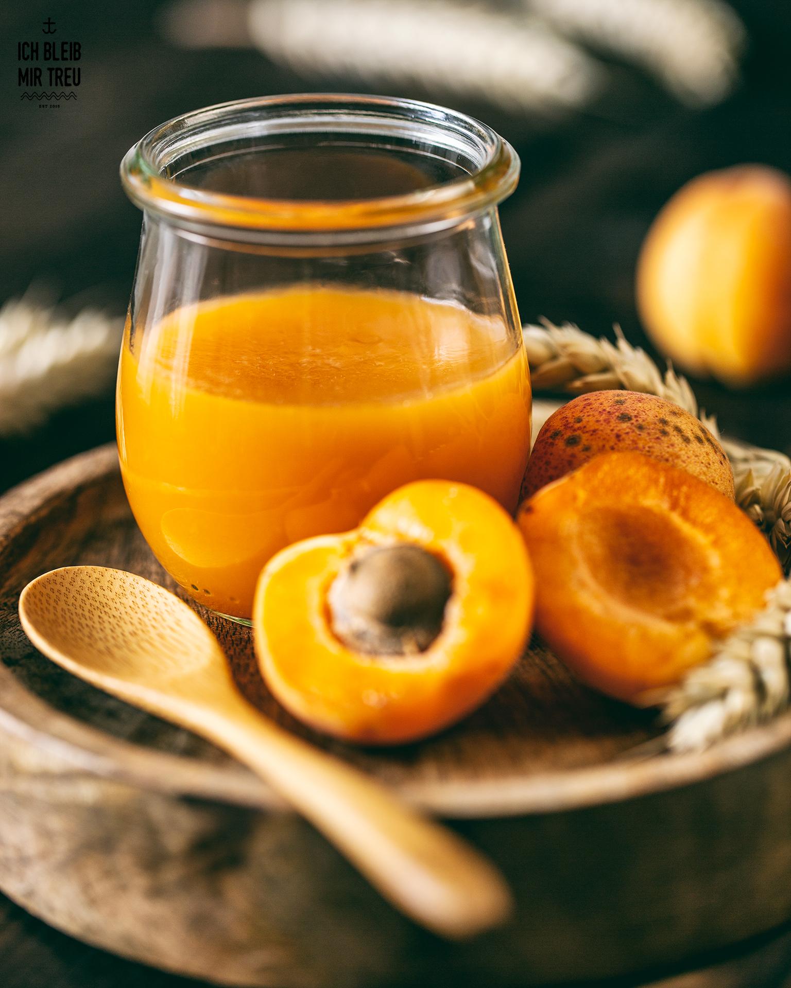 veganer aprikosen-wackelpudding